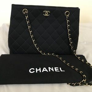 Authentic Chanel Bag Gold Chain. 2way..